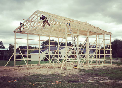 barn construction in grand rapids.jpg